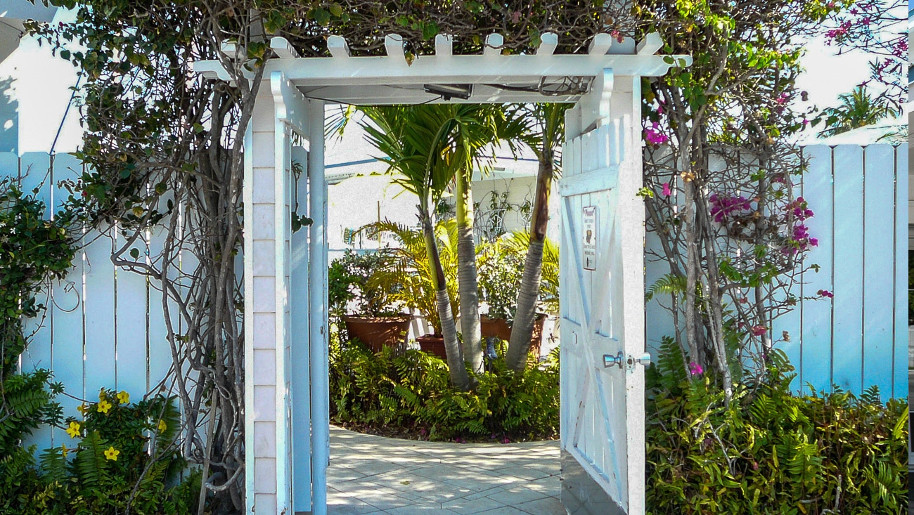 Harbour View Marina in Marsh Harbour, Abaco - the garden gate